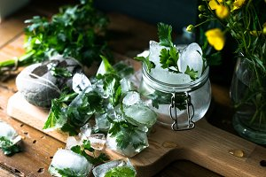 Detox ice cubes with herbs III