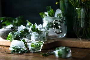 Detox ice cubes with herbs II