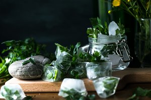 Detox ice cubes with herbs I
