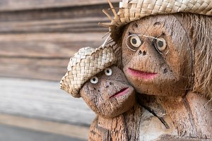 Statuette of two monkeys