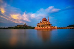 Sunset at Putra Mosque and Putrajaya Lake in Malaysia