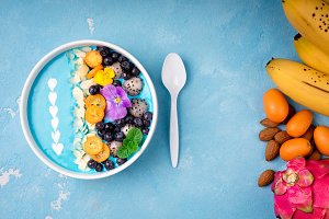 Smoothie bowl with fruits