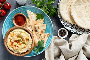 Arabic Chickpea Hummus and Pita
