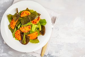 Salad with baked pumpkin