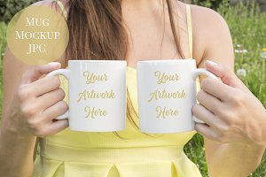 Double mug mockup - yellow dress
