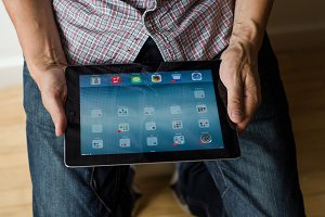 Man using apple ipad