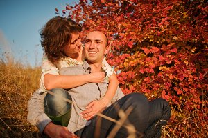 couple in autumn love story