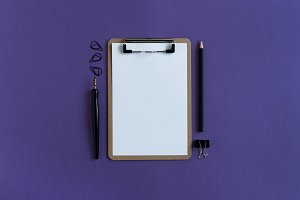 Clipboard with white blank paper