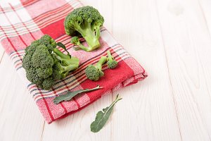 Broccoli on the red napkin