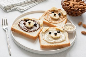 Teddy Bear toasts with nut butter