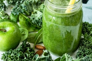 Green detox smoothie or juice