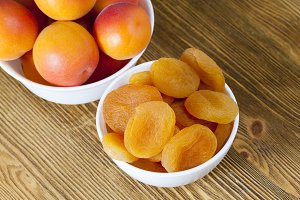 apricots fresh and dried