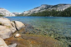 beautiful lake in California