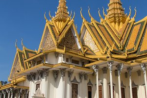 Golden temple in Phnom Penh