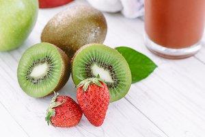 Sliced kiwi and Strawberry