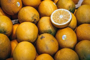 Fresh Lemons for Sale