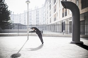 Contemporary dance on the move in an urban setting