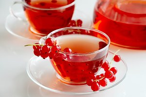 Fruit tea with red currant