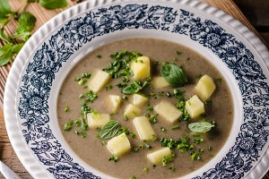 Potato mushrooms garlic soup