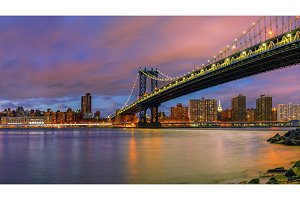 Manhattan bridge and Manhattan at dusk