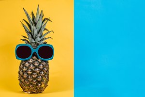 Pineapples sunglasses pastel color
