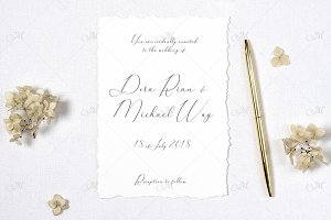 Paper & Hortensia Invitation Mock-up