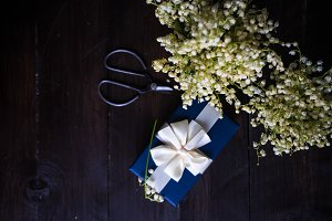 Gift wrapping concept