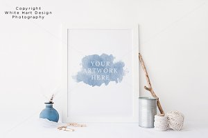 Wall art frame mock up - PSD / JPG