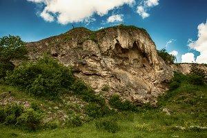 Rukomysh Cave temple