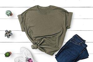 Gildan T-shirt Mockup Olive Green