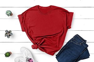 Gildan T-shirt Mockup Red