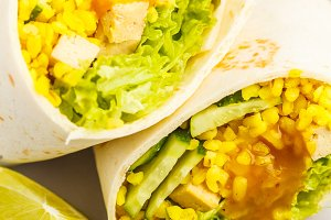 wraps with bulgur and baked tofu