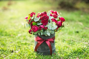 beautiful bouquet of lush red roses