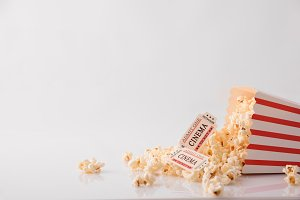 Popcorn & movie tickets white detail