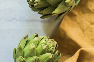 artichokes with gold napkin