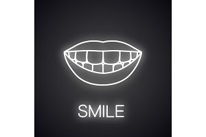 Beautiful smile with healthy teeth neon light icon
