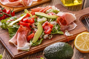 Salad with smoked ham