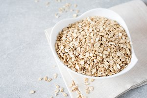 Dry rolled oat flakes oatmeal