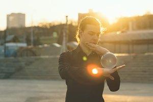 Contact juggling