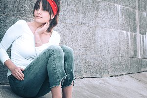 girl in jeans and a white T-shirt
