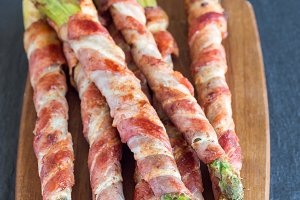 Asparagus wrapped with bacon