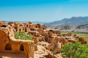 Ruins of the abandoned mud brick city Kharanaq near the ancient city Yazd in Iran