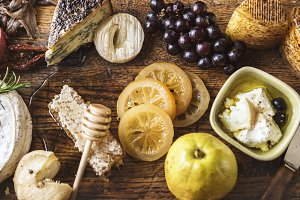 Platter of cheese and fruit pairings