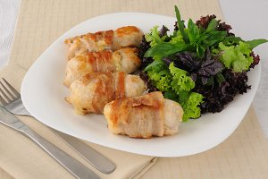 Chicken rolls stuffed with cheese