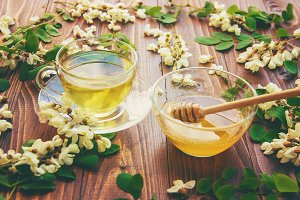 Honey with acacia and tea.