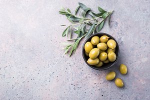 Fresh olives in a bowl