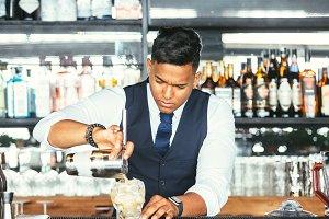 Concentrated expert bartender