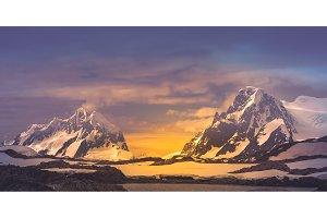 Panoramic view. Antarctic mountain crests.