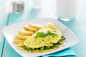 asparagus egg omelet with basil