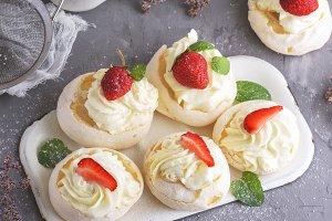 meringue cakes